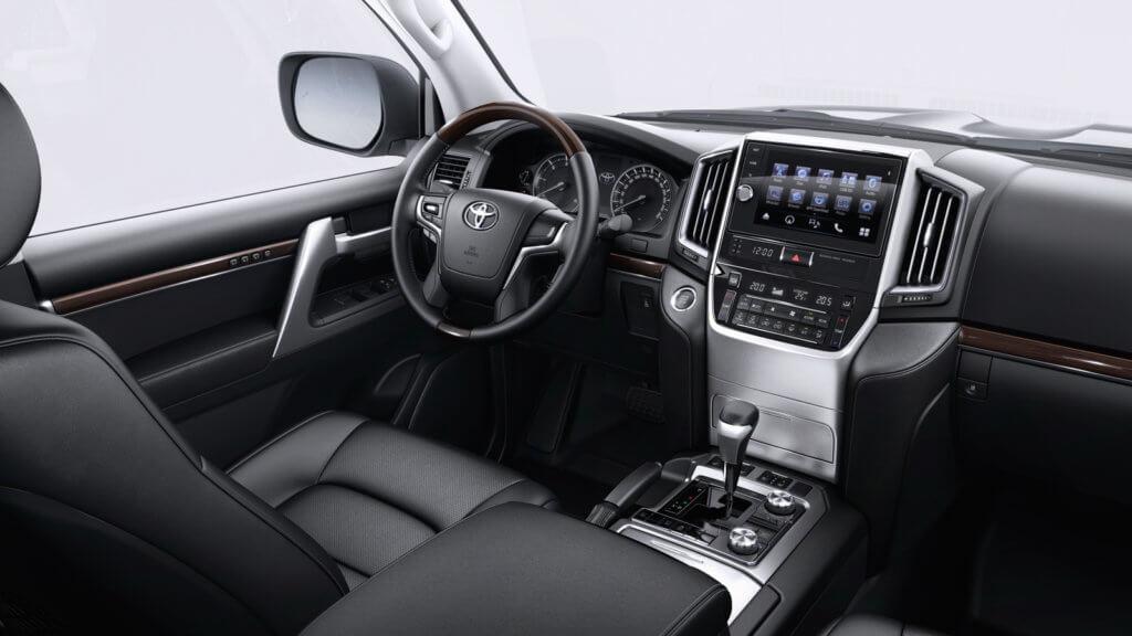 Toyota Land Cruiser 200 салон