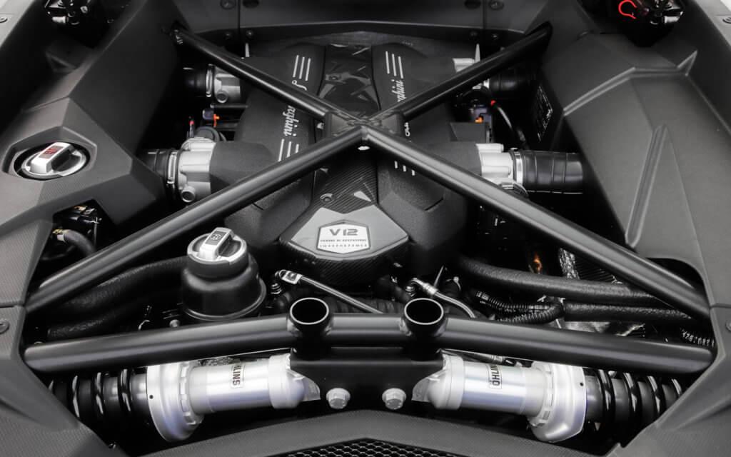 двигатель ламборджини венено