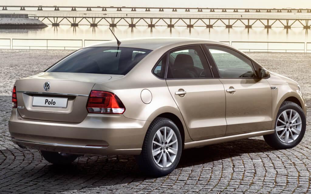 Volkswagen Polo вид сзади