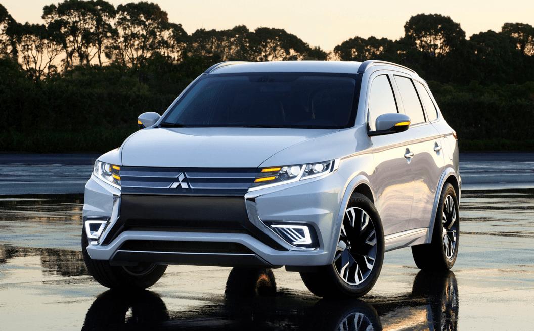Mitsubishi Outlander 2016 цена в России - TOPRUSCAR