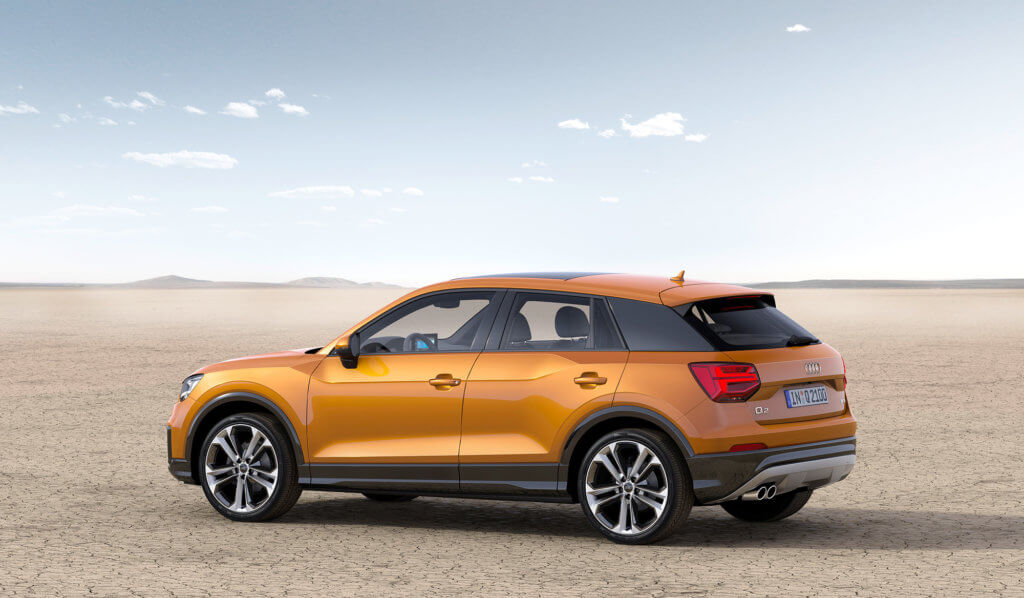 Audi Q2 вид сбоку