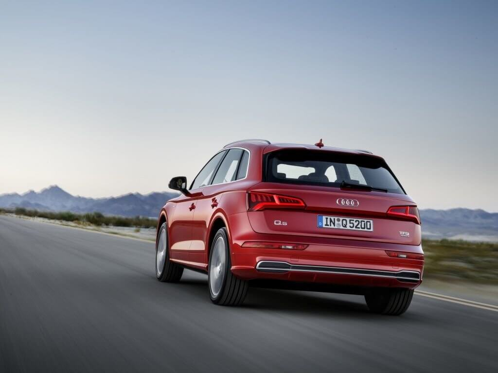 Audi Q5 вид сзади