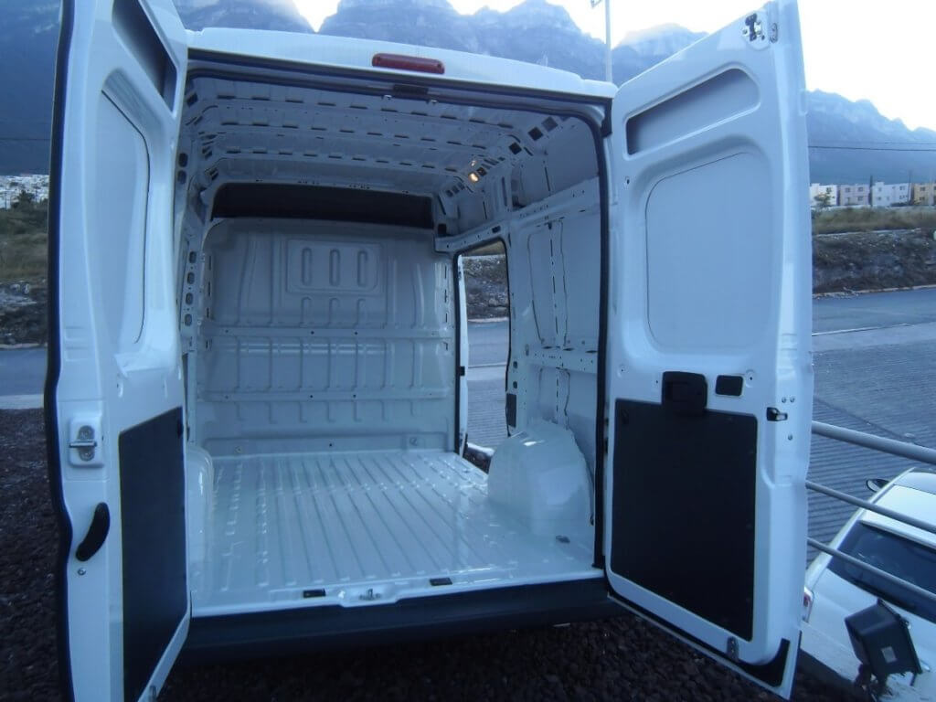 фургон внутри