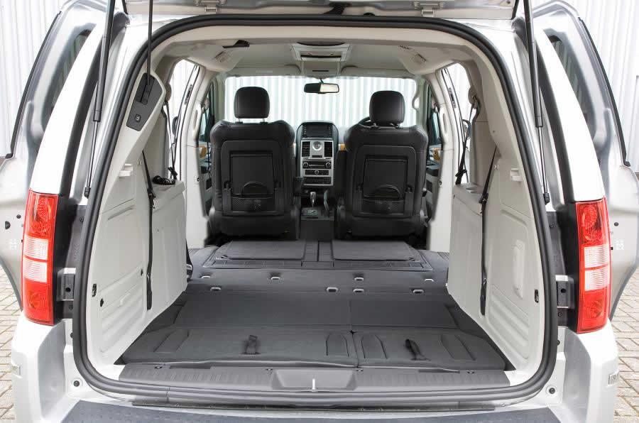 Chrysler Grand Voyager V Рейстайлинг 2011-2015 - Багажник