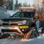 дастер в снегу