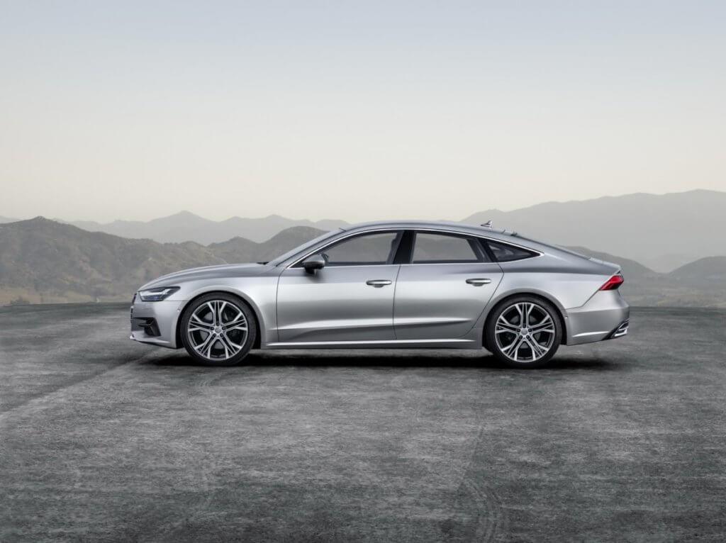 Audi A7 вид сбоку