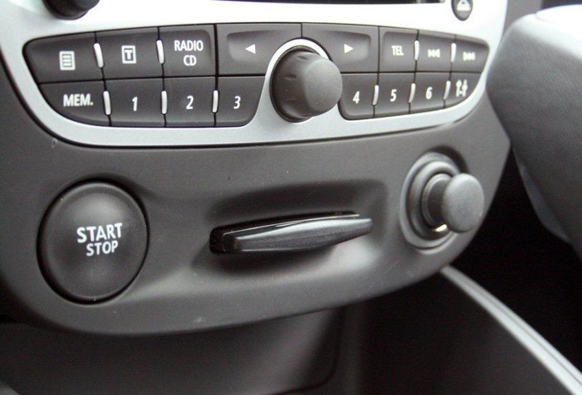 Renault Megane – панель приборная