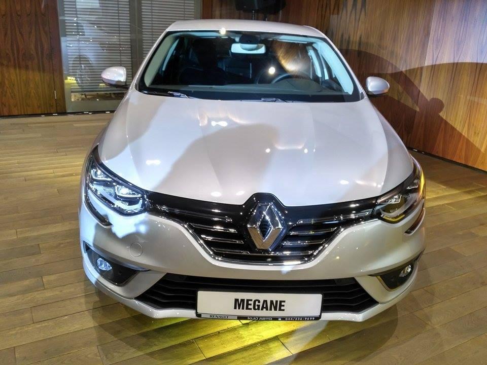 Renault Megane спереди