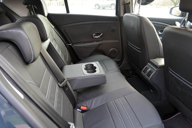Renault Megane задние кресла