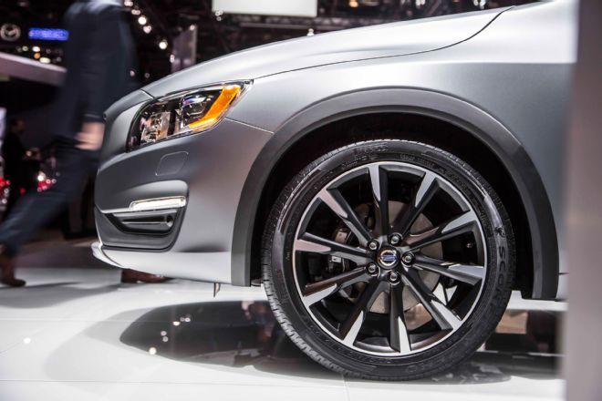 Колесные арки Volvo S60