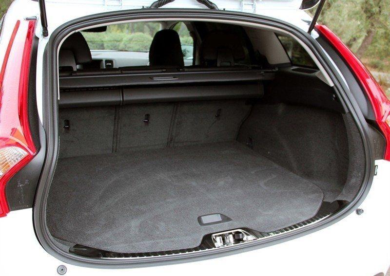 объем багажника Volvo