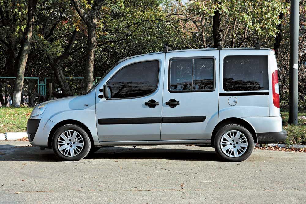 Fiat Doblo Cargo 2019 - вид сбоку