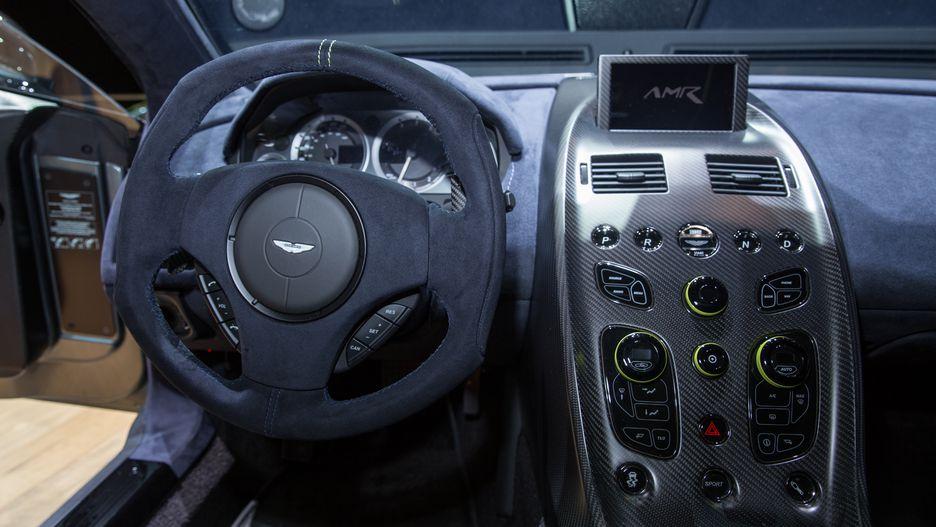 Aston Martin руль