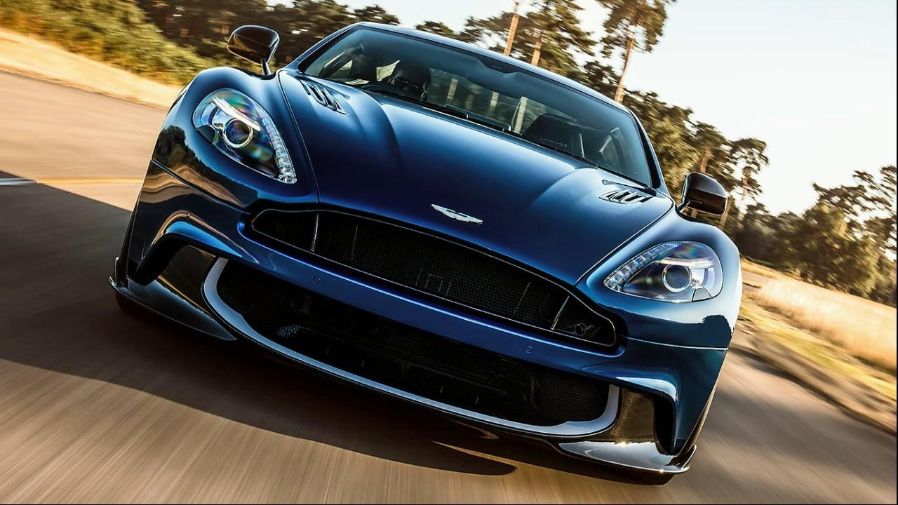 Aston Martin спереди
