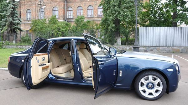 Rolls Royce Ghost комплектации