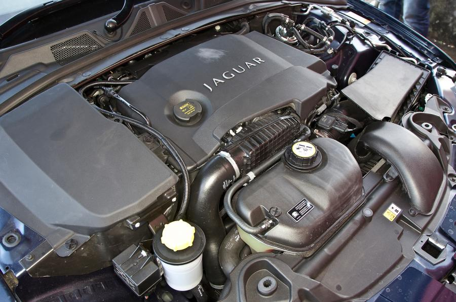 Jaguar XF 3.0 Engine