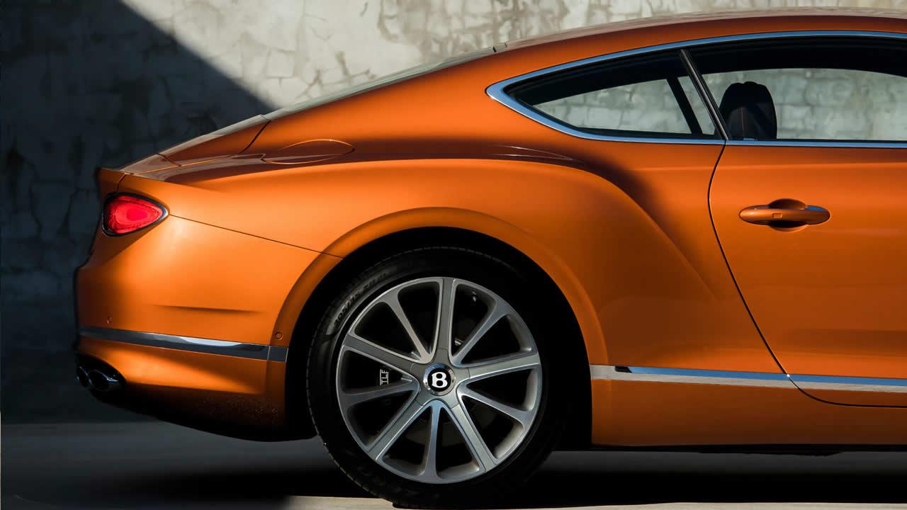 Bentley Continental GT III - Задняя часть сбоку
