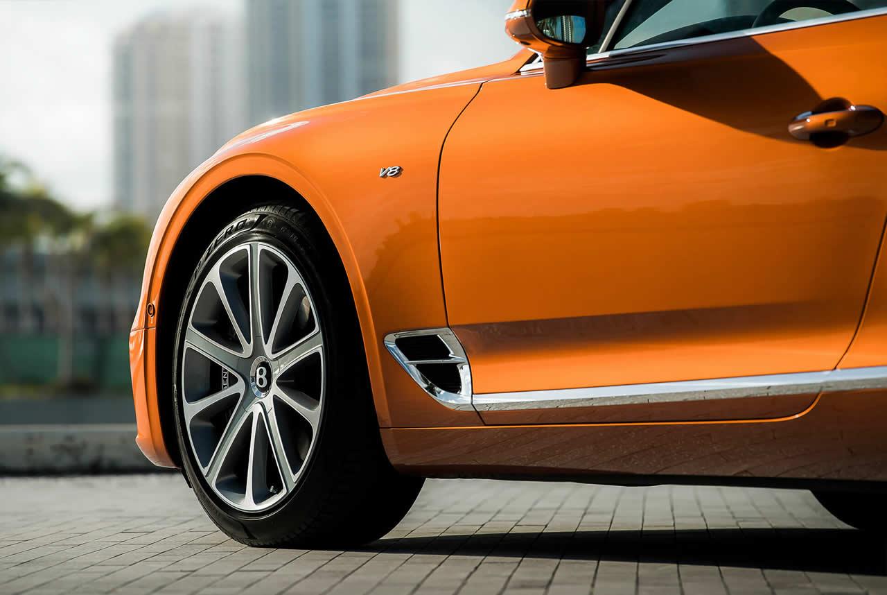 Bentley Continental GT III - Передняя часть сбоку