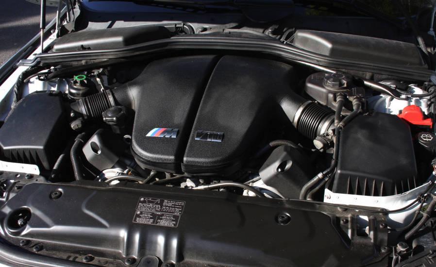 BMW M5 двигатель