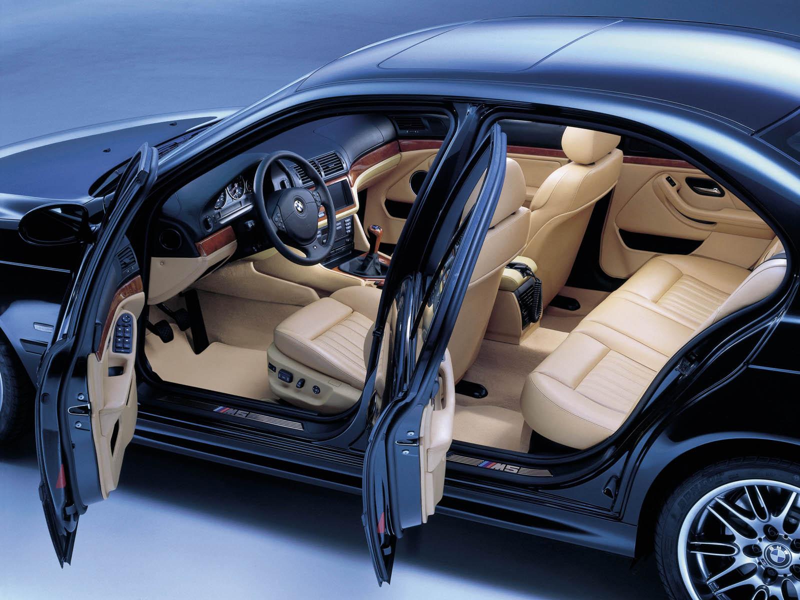 BMW M5 интерьер