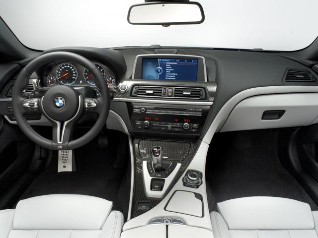 BMW M6 панель