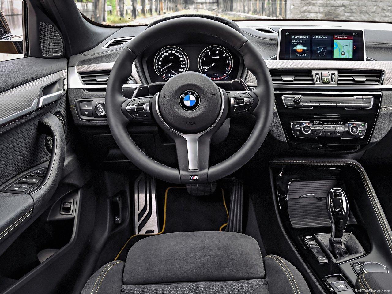 BMW X2 панель