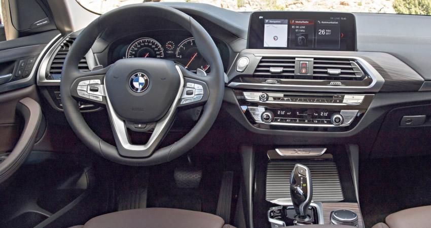 BMW X3 панель