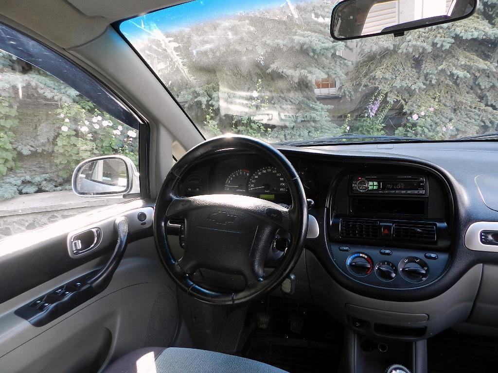 Chevrolet Rezzo интерьер