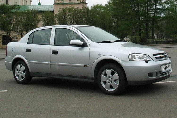 Chevrolet Viva белый