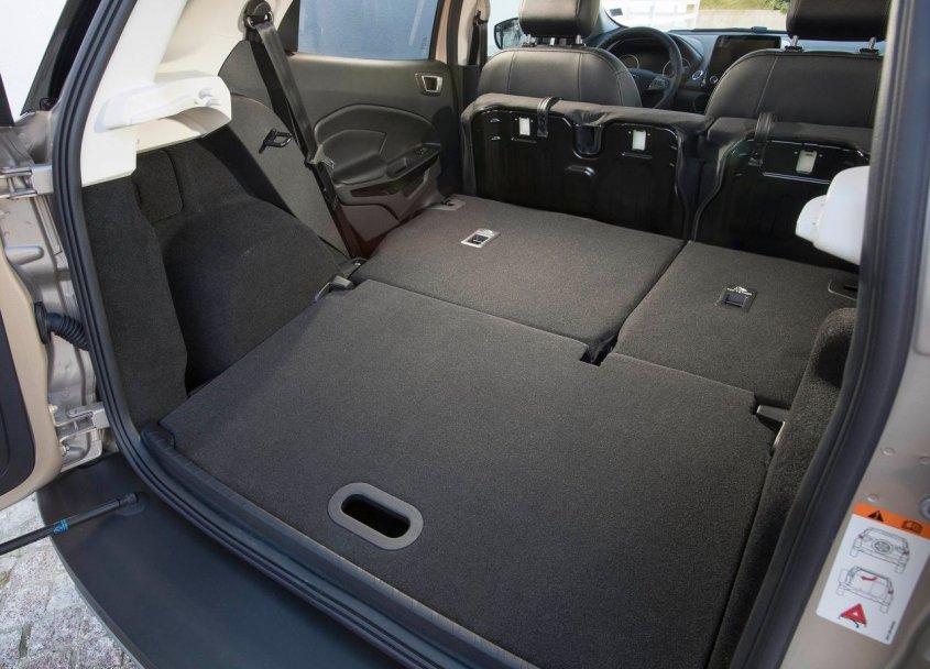 ford ecosport bagagliaio
