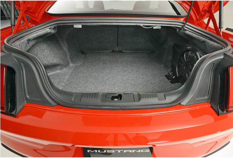 ford mustang багажник