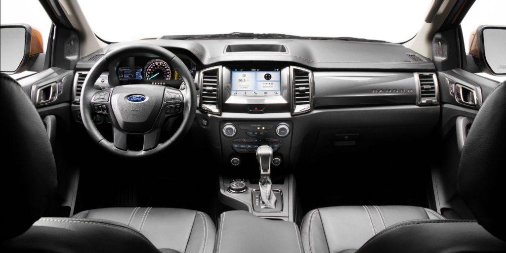 Форд Рэнджер 2019 года - Центральная консоль