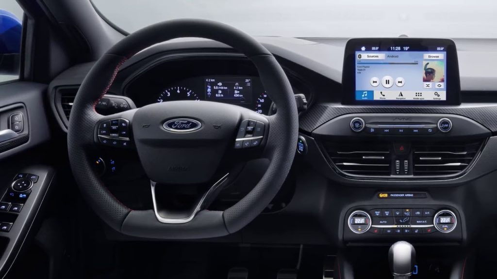 Ford Focus 3 ST 2019 - Интерьер - Центральная консоль