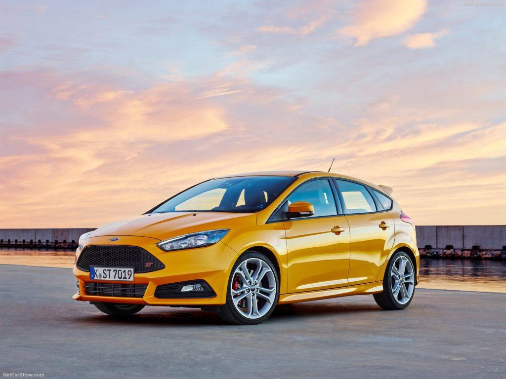 Ford Focus 3 ST 2019 года - Желтый