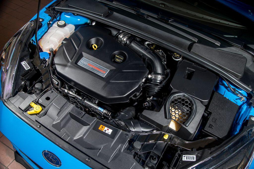 Ford Focus 3 ST 2019 года - Двигатель (подкапотное пространство)