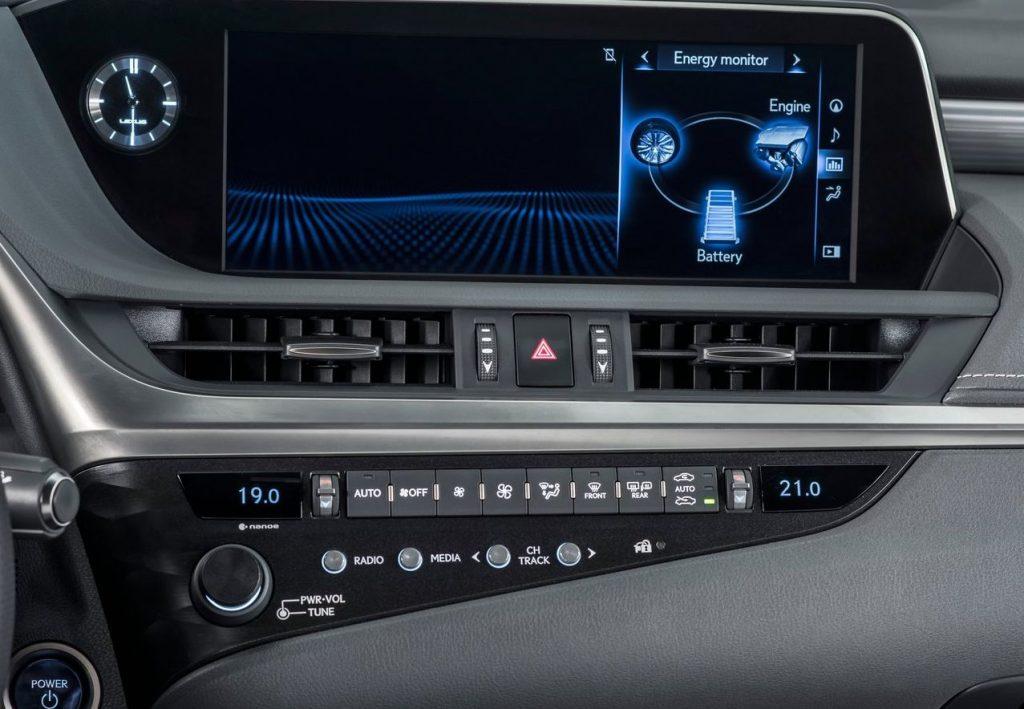 Lexus ES 2019 - Интерьер - Центральная консоль - Система мультимедиа