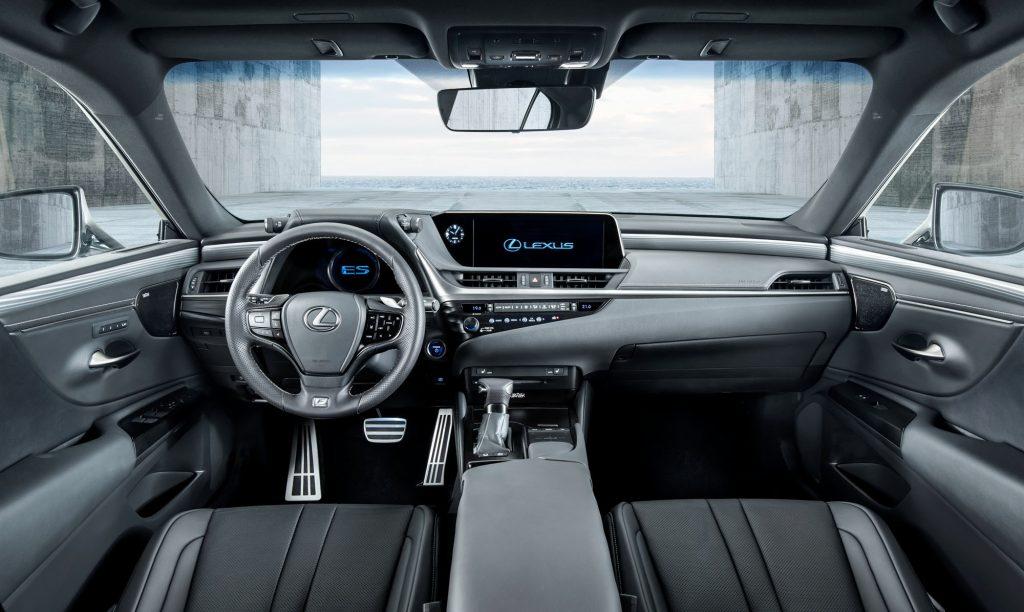 Lexus ES 2019 - Интерьер - Центральная консоль