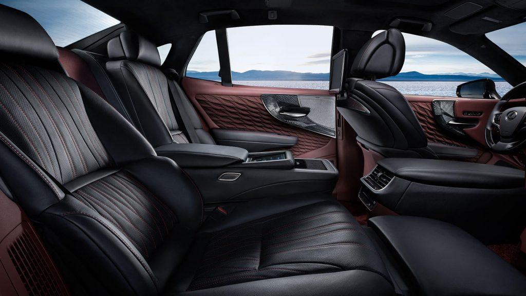 Lexus ES 2019 - Интерьер - Сиденья