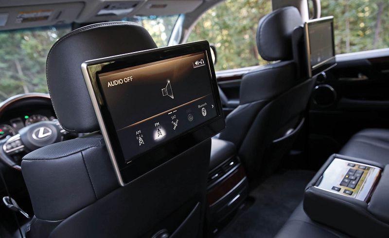 lexus lx570 экраны в спинках сидений