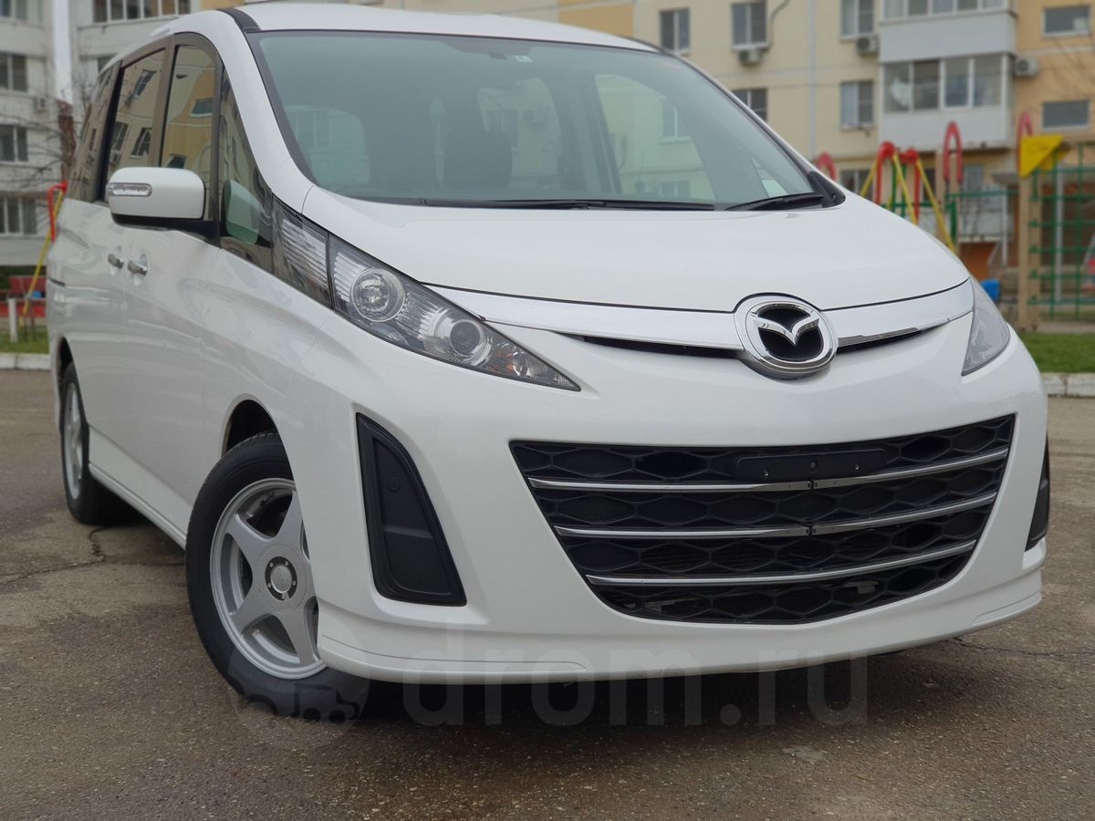 Mazda Biante белая