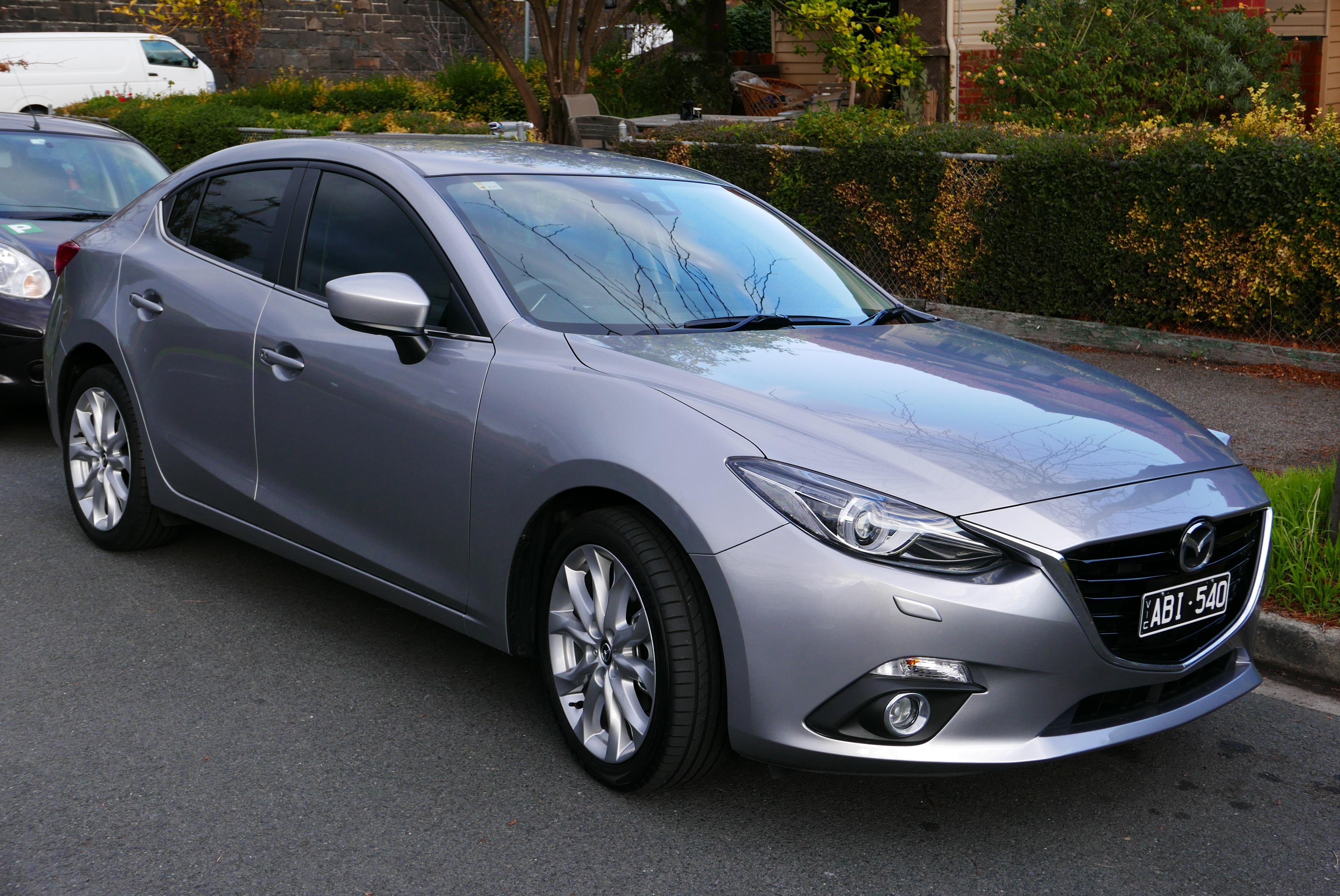 Mazda3 серая