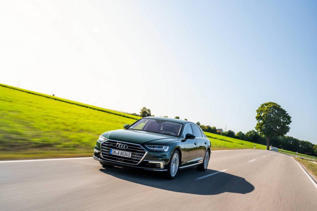 Audi A8 L 60 TFSI e quattro - Вид спереди