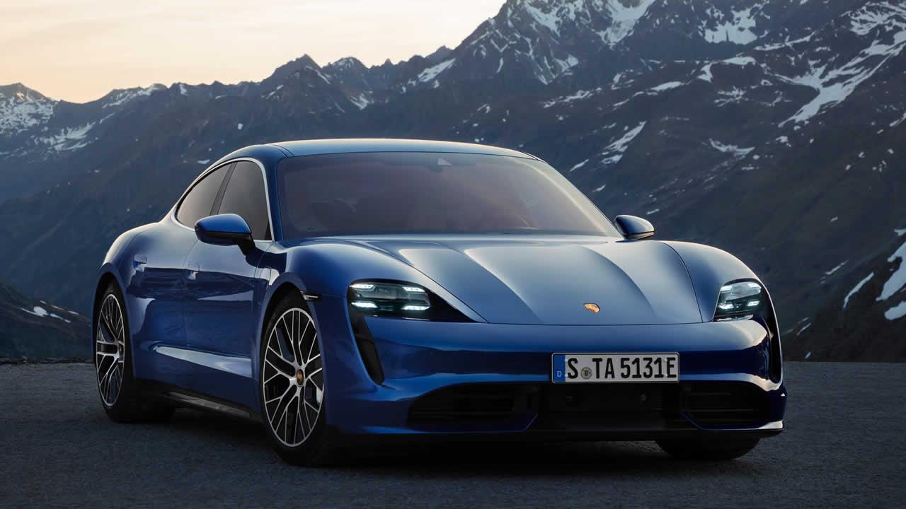 Porsche Taycan 4S - Вид спереди