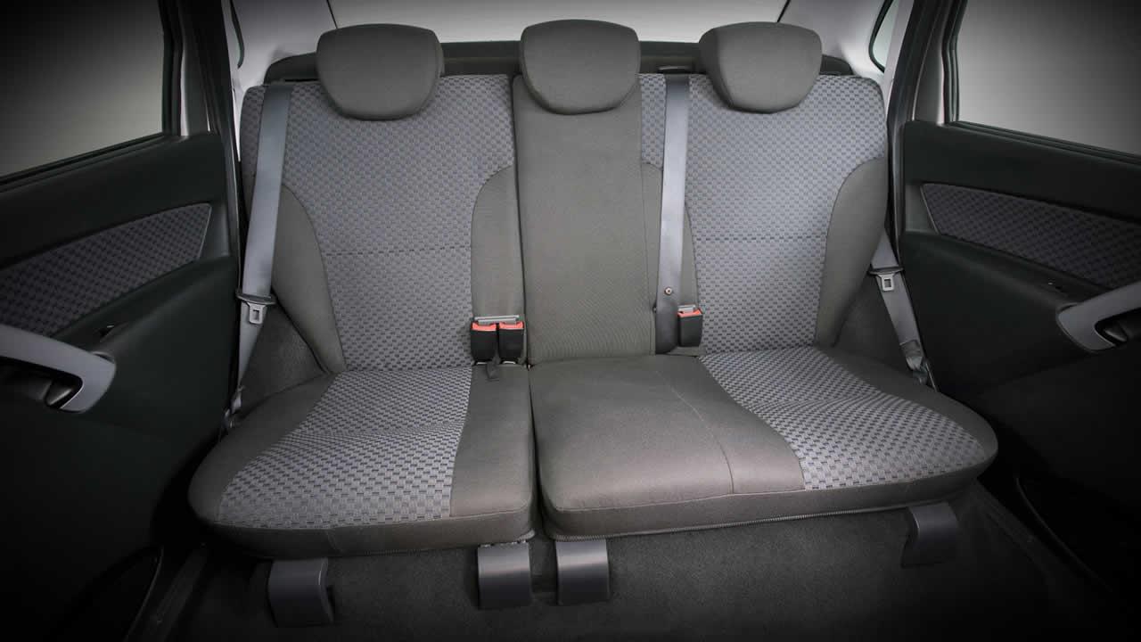 Lada Granta Лифтбэк - Задний ряд сидений