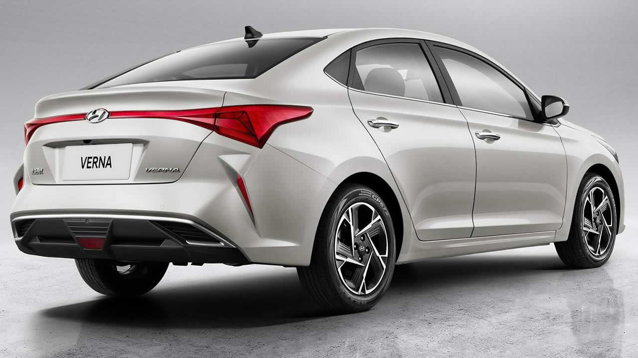 Hyundai Verna - вид сбоку