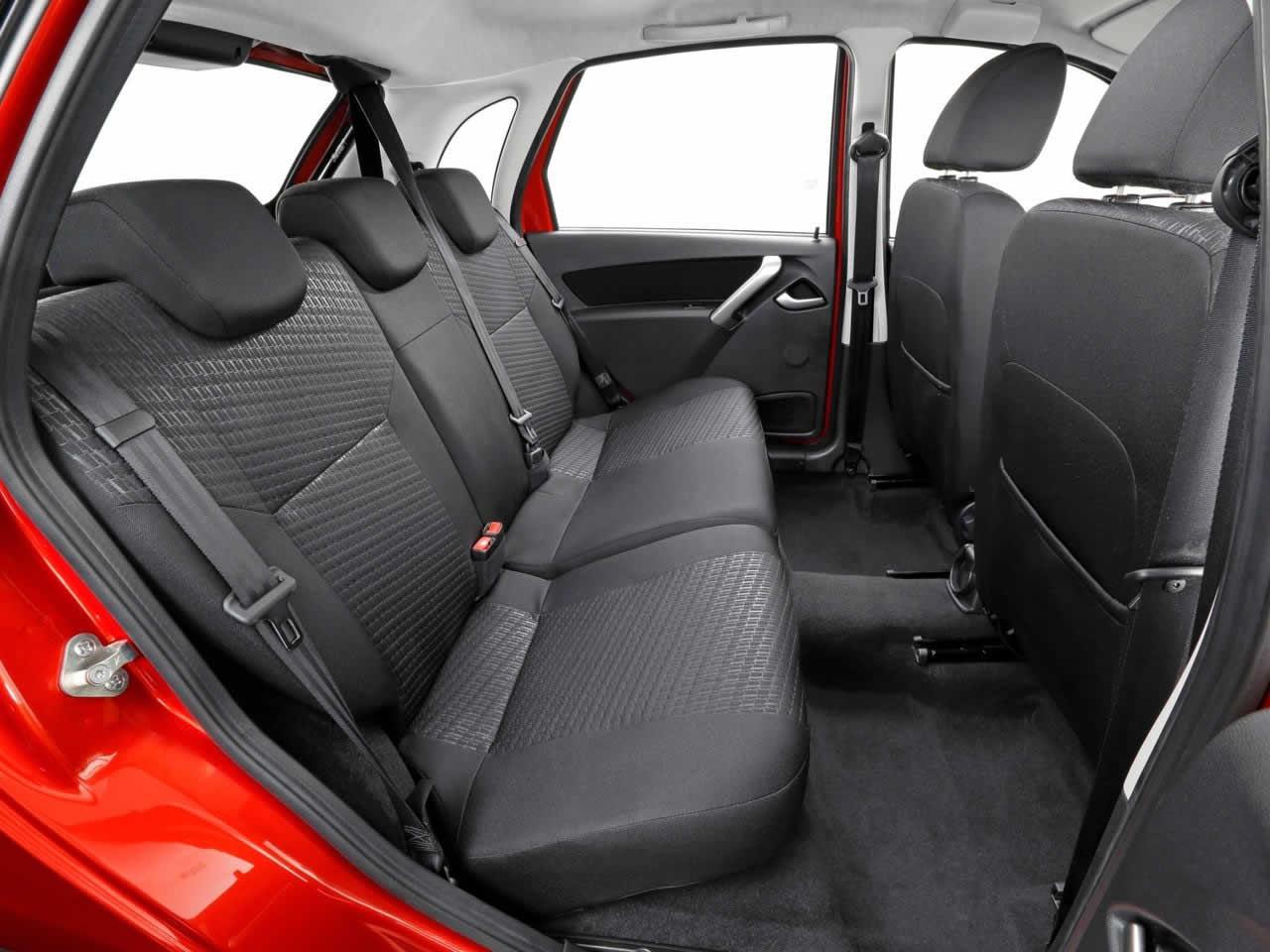 Datsun mi-Do - Интерьер - Задний ряд сидений