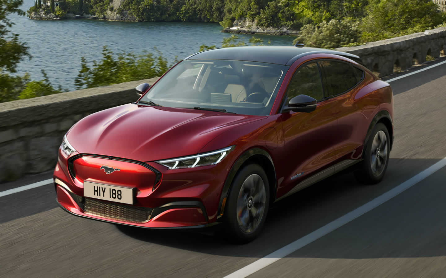 Ford Mustang 2020 SUV
