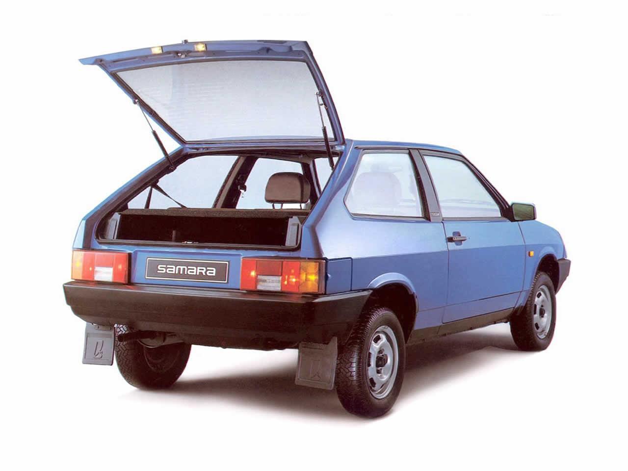 ВАЗ 2108 - вид сзади, багажное отделение